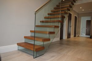 Cantilever Stairs with glass
