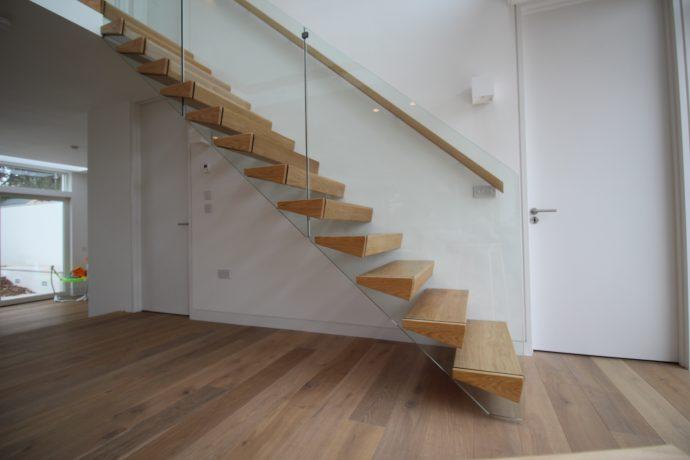 Bespoke Modern Cantileverd Stairs
