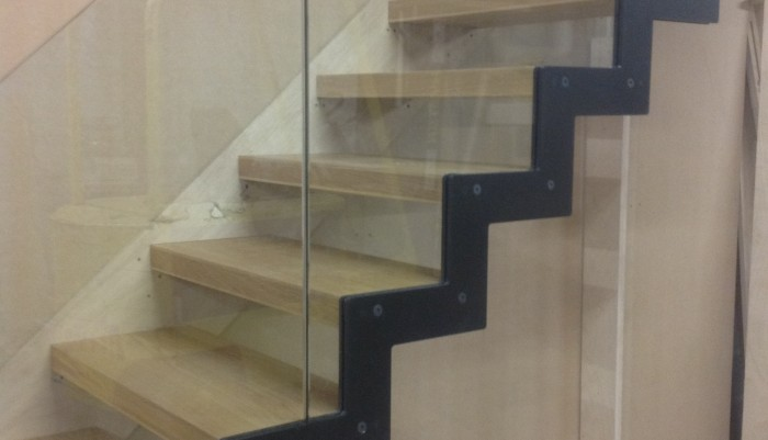 JEA DESIGN OAK STAIRCASE READY TO LEAVE WORKSHOP