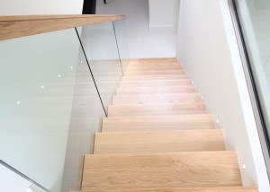 Cantilevered Oak Stairs