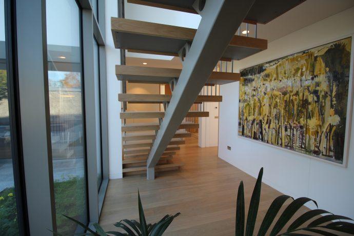 Mono string staircase