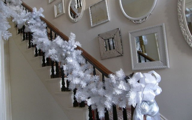 Decorating your Stairs for Christmas