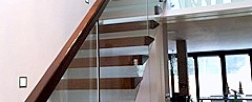 Floating Oak and Glass Stairs